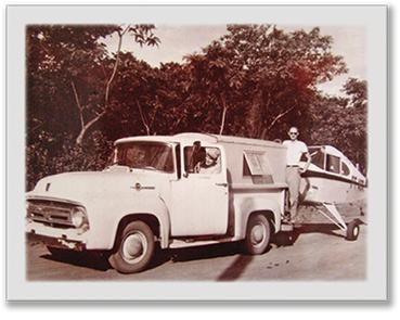 1956 - O PRIMEIRO VOO
